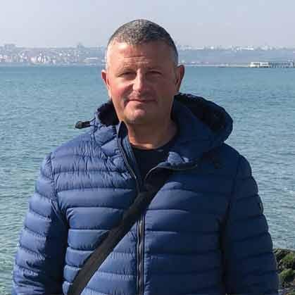 Иво Николов